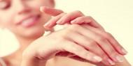 علاجات منزلية للتخلص من اسمرار اليدين
