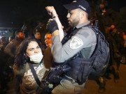 الاحتلال يحاصر حي الشيخ جراح في القدس