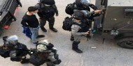 مراسلتنا: جيش الاحتلال ينصب حواجز ويشن حملة مداهمات واعتقالات واسعة في مدن الضفة