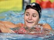 الأسترالية ماكيون تحطم الرقم القياسي العالمي لسباحة 100 متر