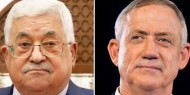لقاء الرئيس عباس وغانتس يفجر موجة غضب فلسطينية عارمة